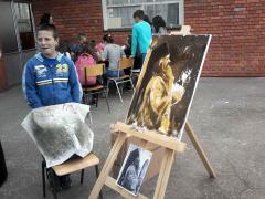 Ученици школе у Клењу изложили радове посвећене успомени на светог владику Николаја