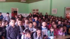 Деца бирају веронауку у Бадовинцима