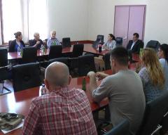 """Glumci Pozorišta """"Janko Veselinović"""" na prijemu kod predsednika Opštine"""
